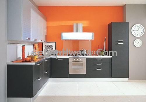 Không gian bếp sang trọng cùng với tủ bếp inox Acrylic