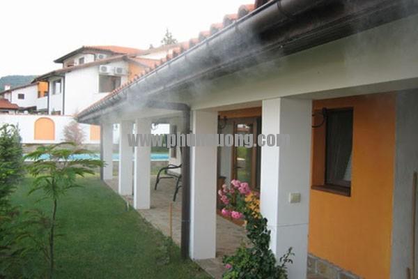 Hê thống phun sương Hawin được sử dụng để làm mát mái hiên