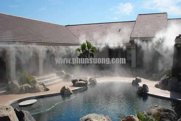 Hê thống phun sương Hawin được sử dụng để tạo cảnh quan ở hồ bơi