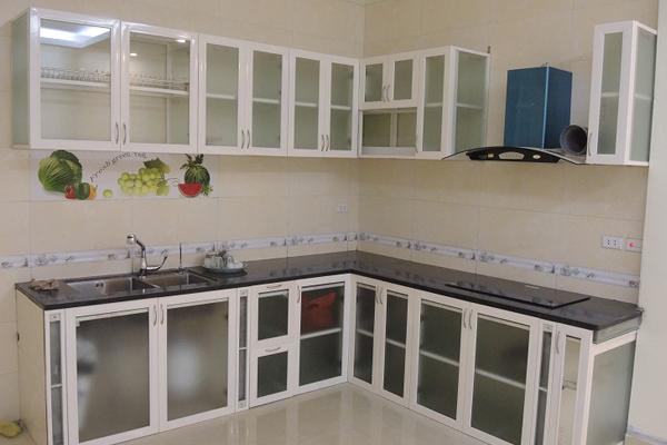 Tủ bếp inox có thể chịu được nhiệt độ cao, có độ bền lên đến khoảng 10 năm